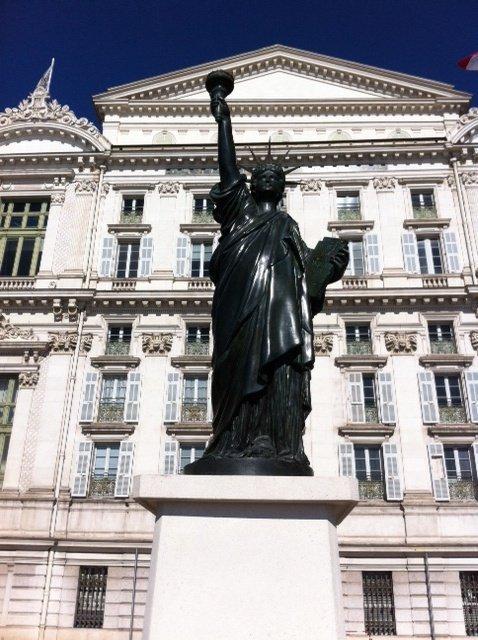 statue-liberté-Nice