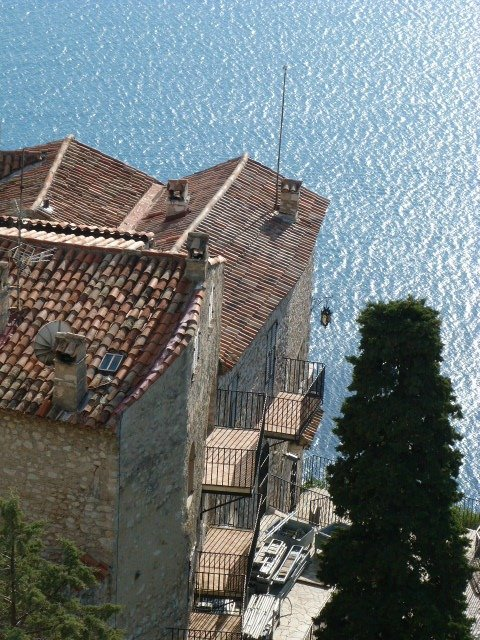 view_over_Eze_rooftops_Côte_dAzur_France
