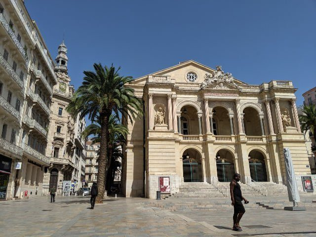 visit Toulon opera house