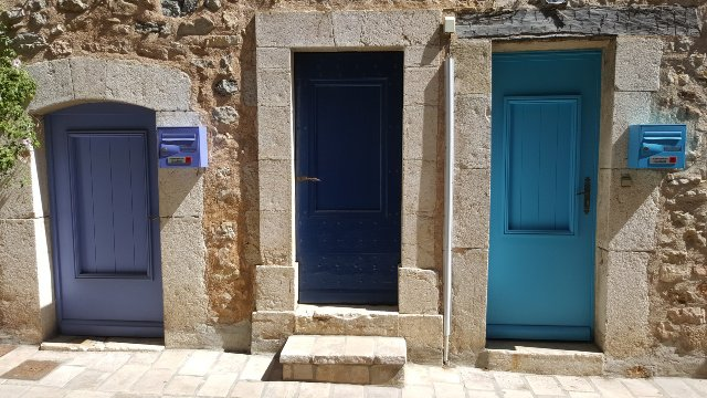 doors in Valbonne