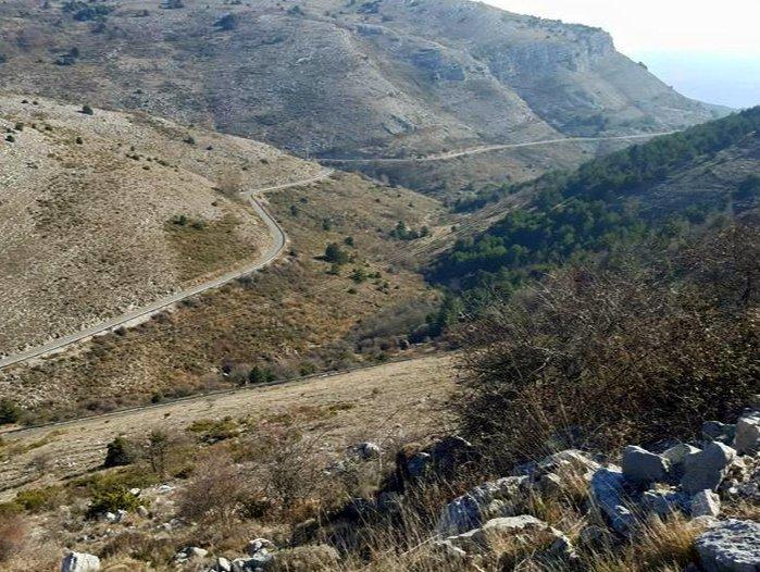 mountain road côte d'azur | Lou Messugo