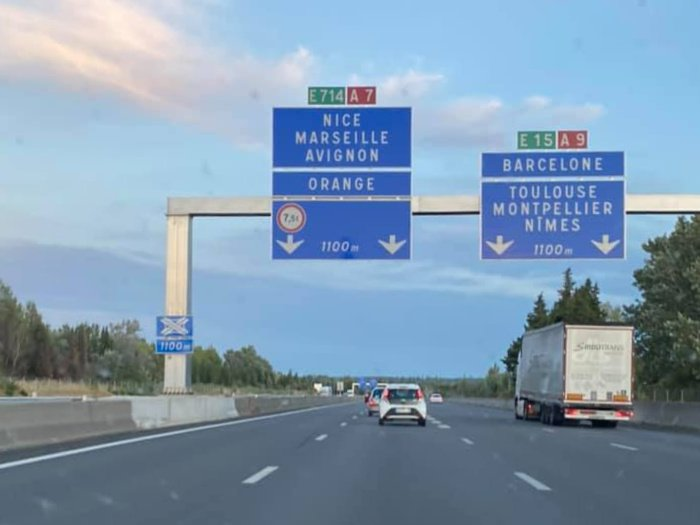 driving to south of France | Lou Messugo