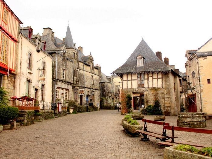 Rochefort en Terre beautiful village in France