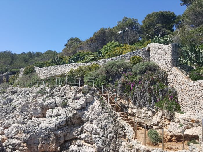 wall, steps and security cameras on Cap d'Antibes