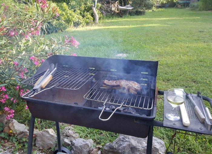 barbecue at Lou Messugo gite