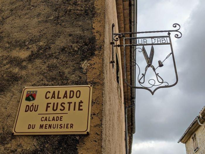 street signs in Mons, Var